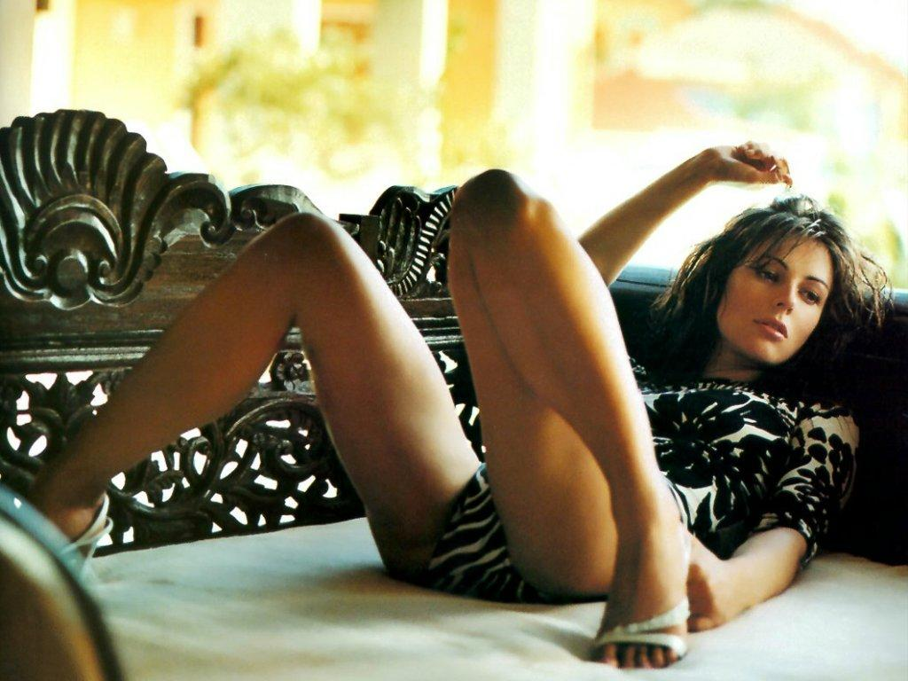 Have Hot pics of liz hurley naked advise